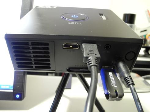 FAVI_Mini_Projector_2.jpg