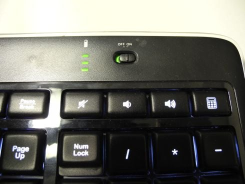 Logitech_Wireless_Keyboard_K800_2.jpg