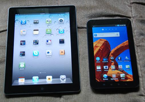 7-inch Galaxy Tab next to the 10-inch iPad 2