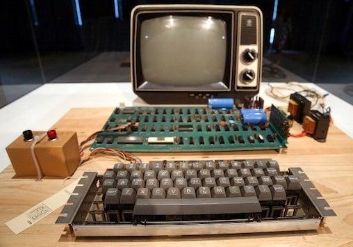 Vintage Apple-1 computer sells for $388K