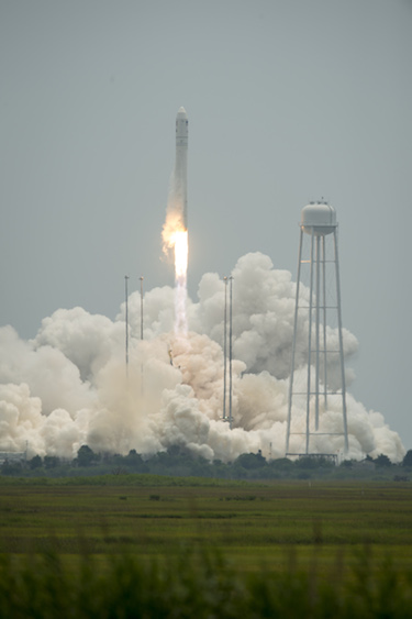 Cygnus cargo spacecraft launches