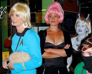 Enterprise crewperson ... sexy alien ... Andorian ... ninja ... wait, ninja?