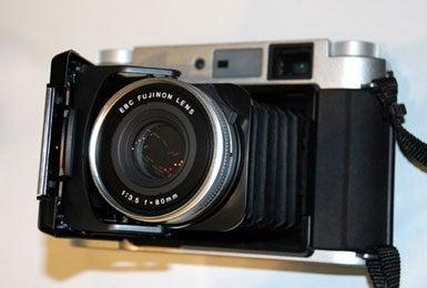 190067-fujifilm_gf670_mediu.jpg