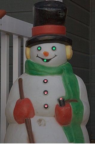 fig-4-lit-snowman.jpg