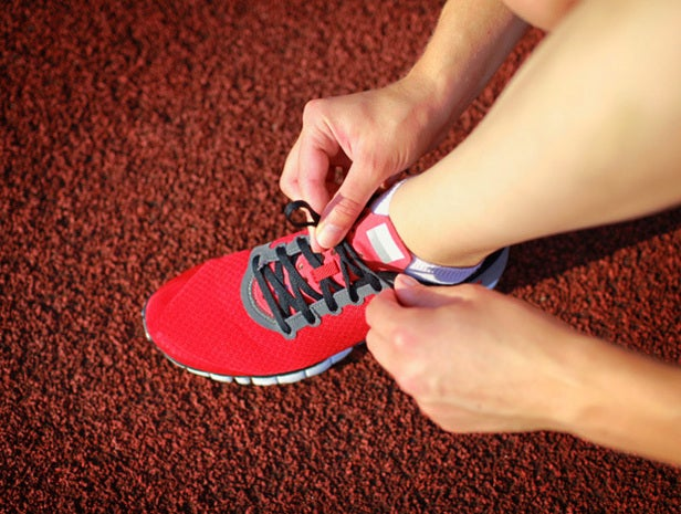 Runner lacing shoe