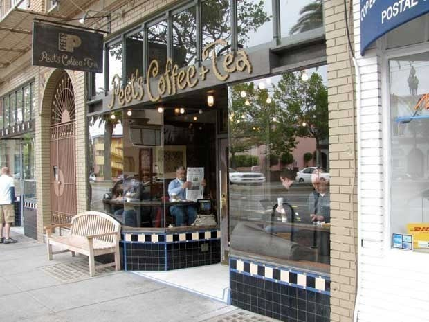 Exterior picture of a Peet's Coffee & Tea shop