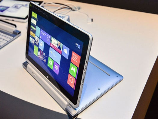 Acer Iconia W510 side view