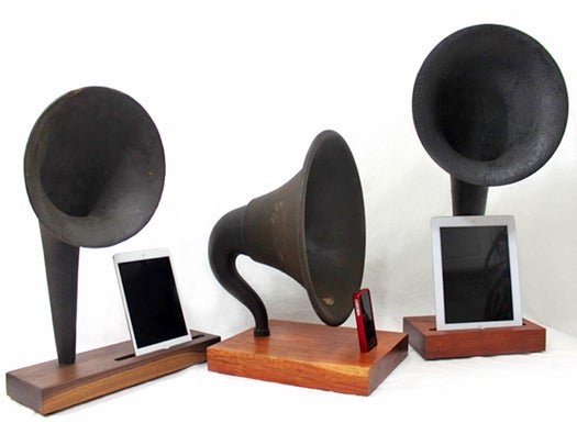 iVictrola steampunk iPad, iPhone dock