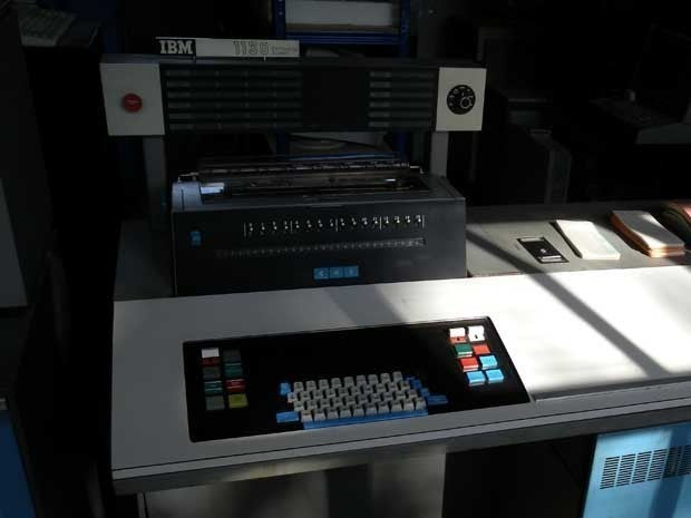 Picture of an IBM 1130 computer