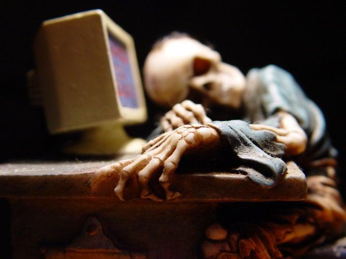 skeleton dead computer PC user