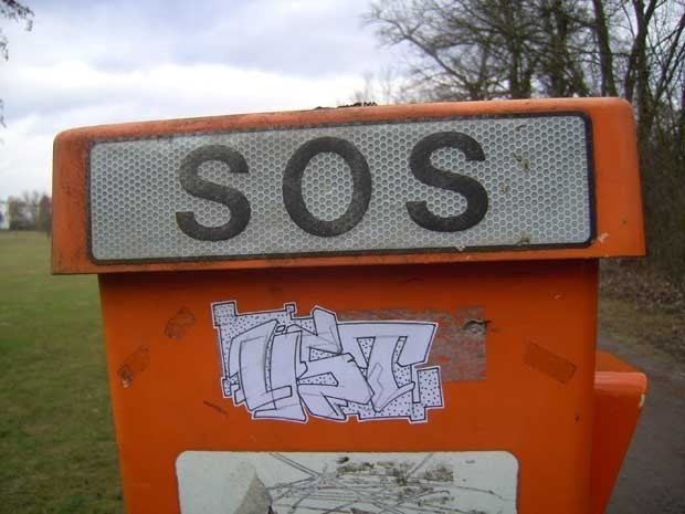 Picture of the letters SOS