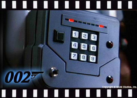 Golden Eye: Electronic door code breaker