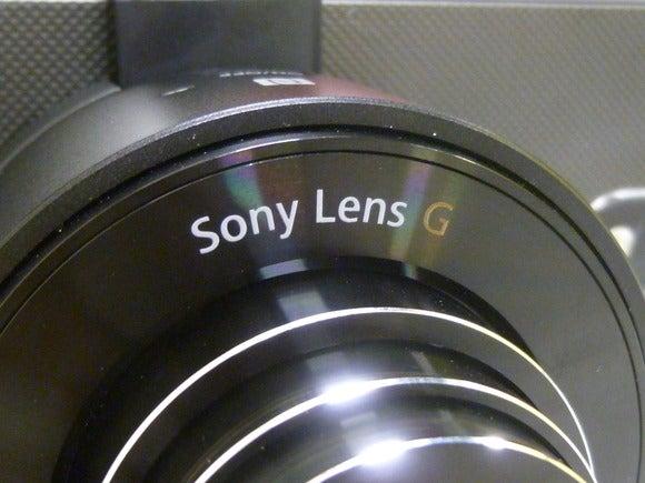 Sony's QX10 lens camera (4)